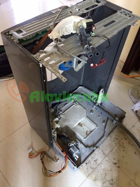 Khắc phục sự cố máy giặt Electrolux bị nhiễm điện