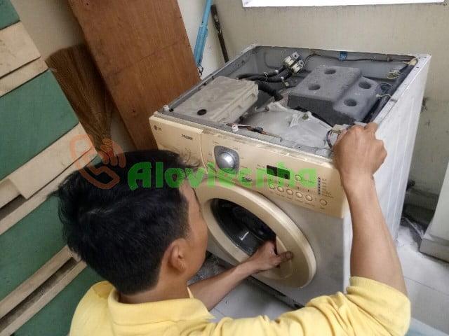 Thợ vệ sinh máy giặt lồng ngang giá rẻ