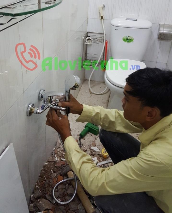 Sửa vòi nước gãy âm tường