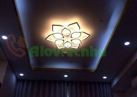 Lắp đèn ốp trần trang trí trên trần thạch cao tại Gò Vấp