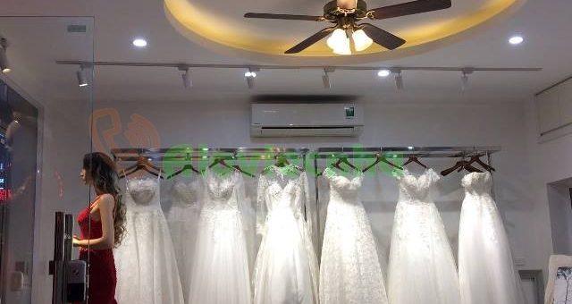Lắp đèn led dây trang trí cho shop thời trang tại Phú Nhuận
