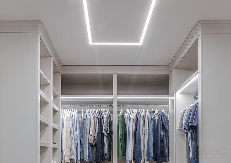 Thi công lắp đặt đèn tủ quần áo
